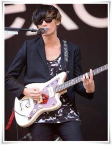 アレキサンドロス川上洋平のギターの種類まとめ!アコギ以外も凄い?3